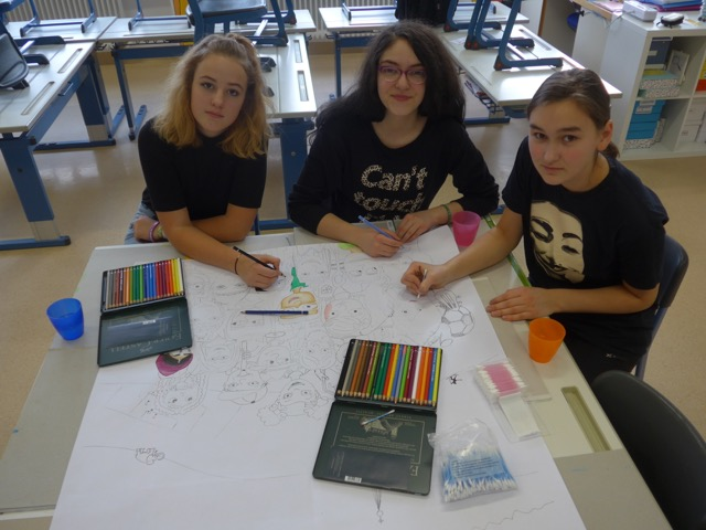 """Das Schulhausgestaltungsteam geht wieder ganz nach dem Motto """"Munter wird's bunter"""" in eine neue Runde."""