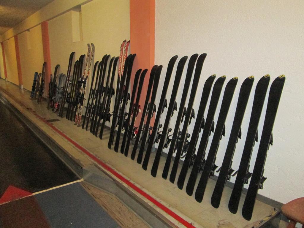 Langlaufausrüstung für die Grund- und Mittelschule Siegsdorf