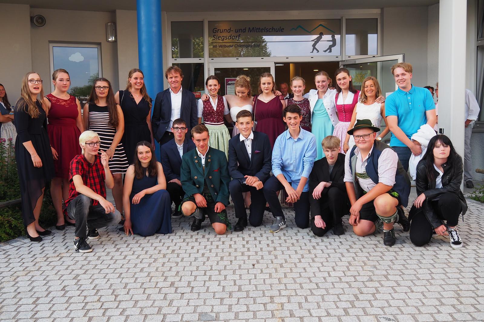 Abschlussfeier der 10. Klasse der Grund- und Mittelschule Siegsdorf